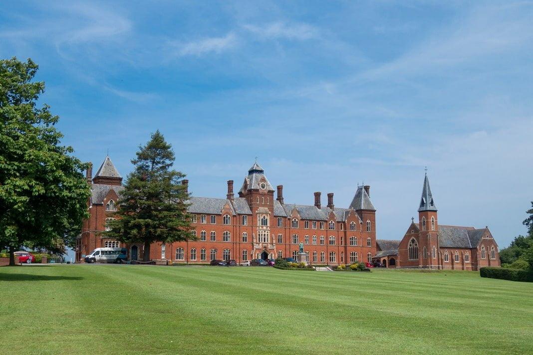 Framlingham College pupil wins prestigious economics internship